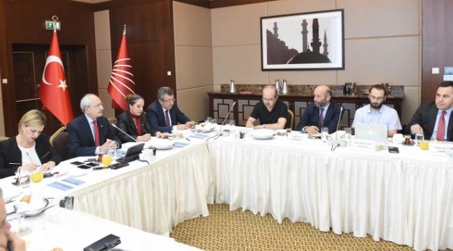 Kılıçdaroğlu Gazetelerin Ankara Temsilcileriyle Buluştu