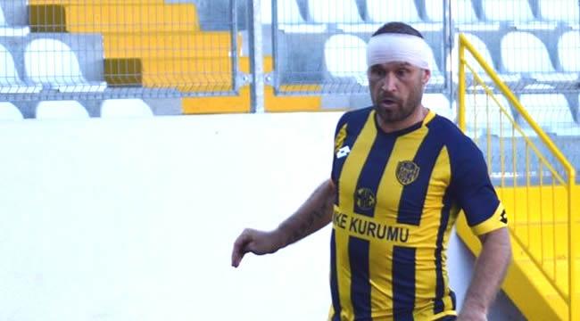 Ankaragüçlü Futbolcunun Burnu Kırıldı Ama...