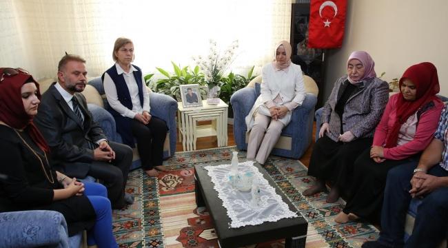 Başbakan Yıldırım'ın Eşi Semiha Yıldırım'dan Kazan'a Taziye Ziyareti