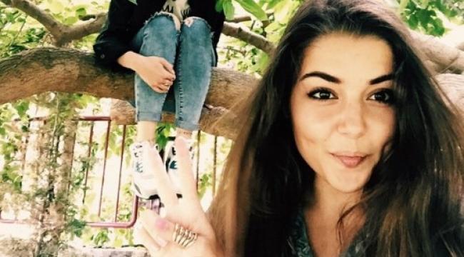 Hande Erçel Sosyal Medyada Güzelliği İle Baş Döndürdü