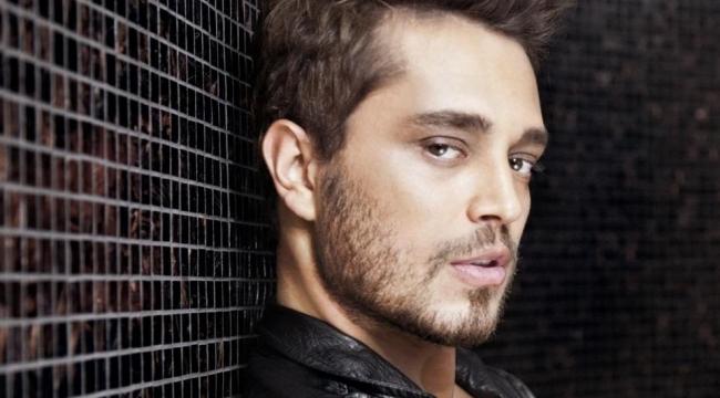Yakışıklı Şarkıcı Murat Boz'dan Olay Paylaşım