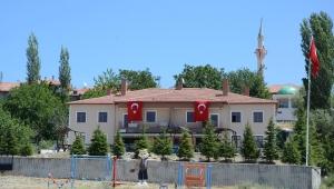 Saldırıya Uğrayan Köy Konağı Temizlendi