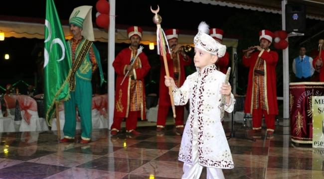Durkut Ailesinin Mutlu Günü... Ankara'da İş ve Siyaset Dünyasını Buluşturan Düğün