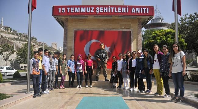 İlk Kez Bindikleri Uçakla İlk Kez Geldikleri Ankara'yı Gezdiler