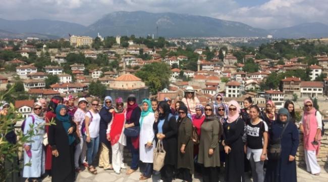 Pursaklarlı Kadınlar Safranbolu'yu Gezdi