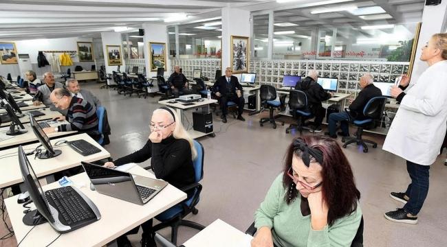 Bilgi Erişim Merkezi'ne 60 Yaş Üstü Üyelerden Yoğun İlgi