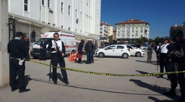 FLAŞ! Hastaneye Götürülen Mahkuma Silahlı Saldırı: 1 Şehit, 3 Yaralı