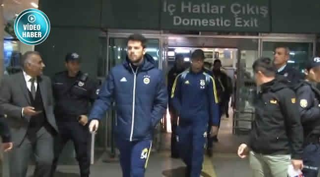 Fenerbahçe'ye Ankara'da Sönük Karşılama! 6 Taraftar Geldi