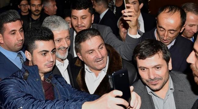 Mamak İlçe Gençlik Kolları Kongresi'nde Mustafa Tuna'ya Yoğun İlgi