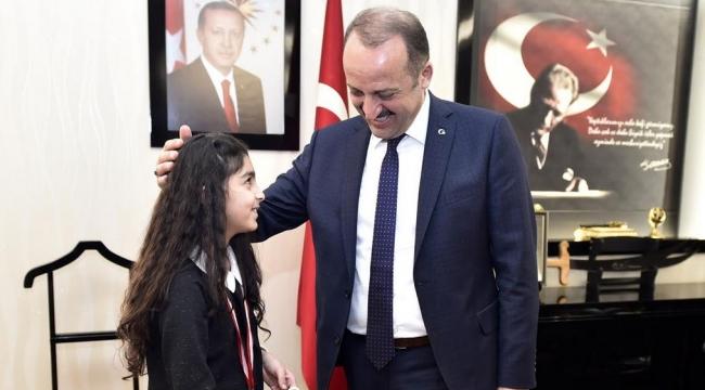 Gençlerbirliği Özel Sporcusundan Çubuk Mamak Belediye Başkanı'na Ziyaret