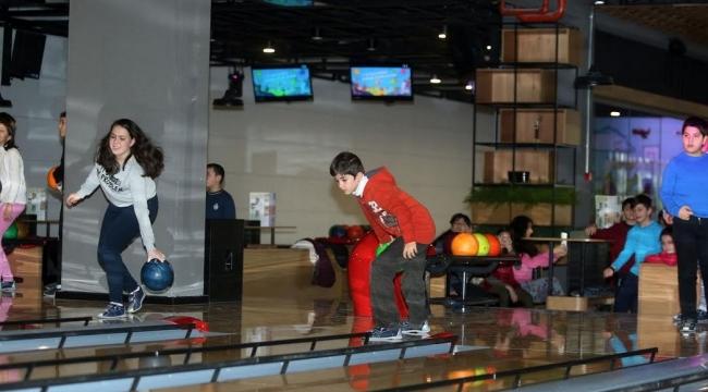 Yenimahalle'den 37 Öğrenciye Bowling Sürprizi