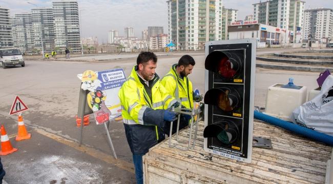 Ankara'nın 70 Kavşağına Yeni Sinyalizasyon Sistemi