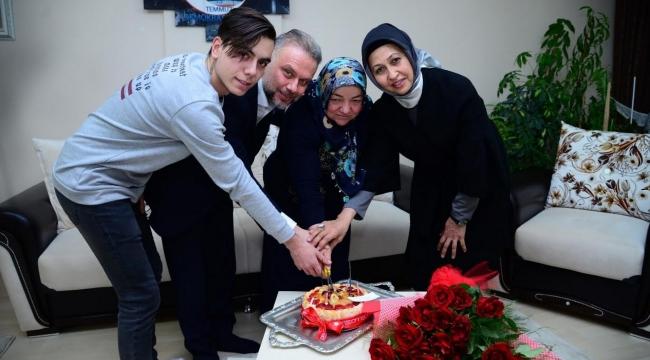 Kahramankazan'da 15 Temmuz Gazisi Türkan Güder'e Sürpriz Doğum Günü