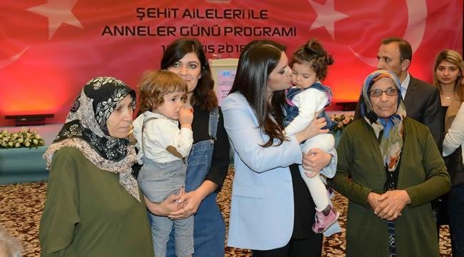 Ankara'da Şehit Aileleriyle Anneler Günü Programı Düzenlendi