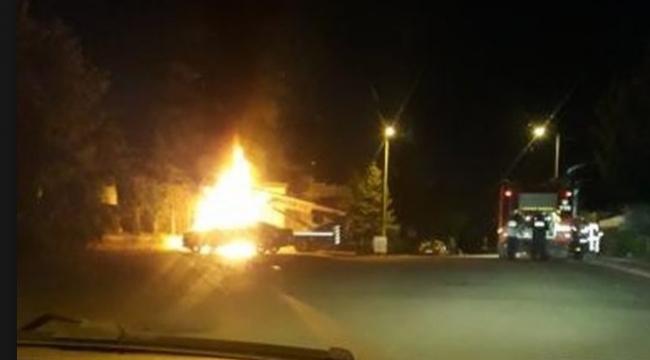 Ankara'da Seyir Halinde Olan Vinç Alev Topuna Dündü