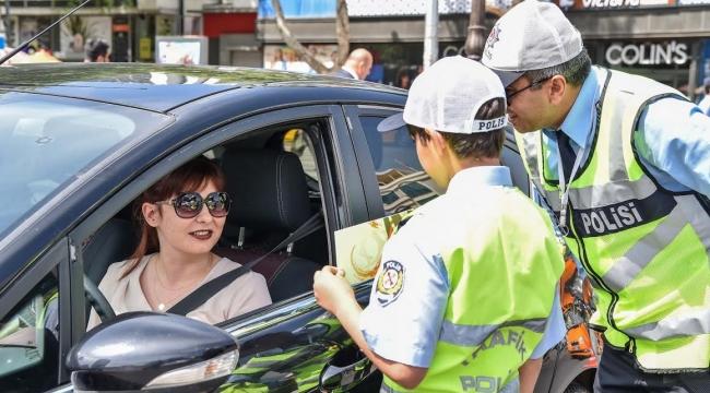 Başkent'in Çocuk Trafik Polisleri İş Başında