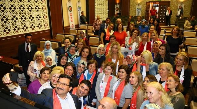 Keçiören'deki Anneler Günü Kutlamasında Filistin Mesajı