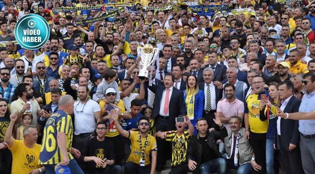 Süper Lig'e Yükselen Ankaragücü'nden Anıtkabir'e Ziyaret