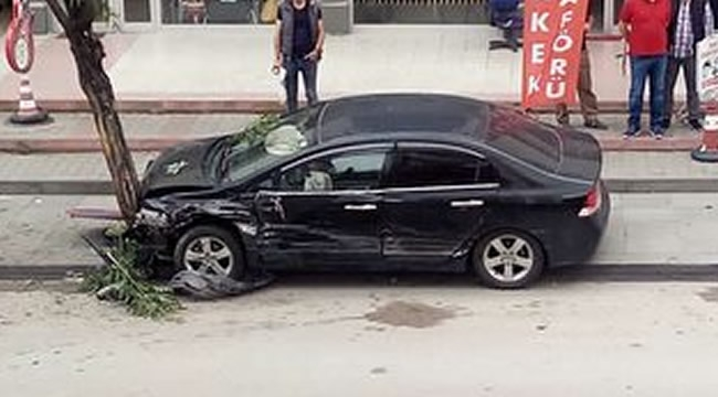 Ankara'da Kaza! Önce Yayaya, Sonra Elektrik Direğine...