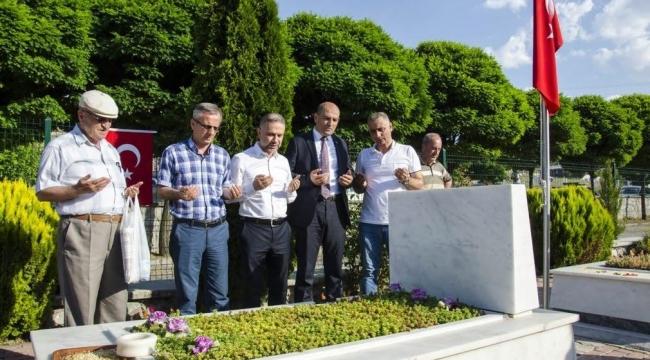 Ertürk Şehitleri Mezarları Başında Andı