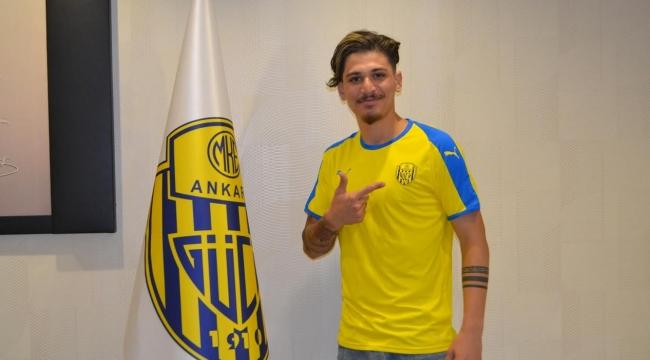 Genç Futbolcu Alper Önal Ankaragücü'ne Transfer Oldu