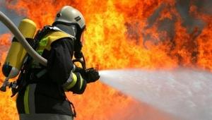 Keçiören'de Yangın! Bina Sakinlerini İtfaiye Kurtardı... 10 Kişi Hastaneye Kaldırıldı...