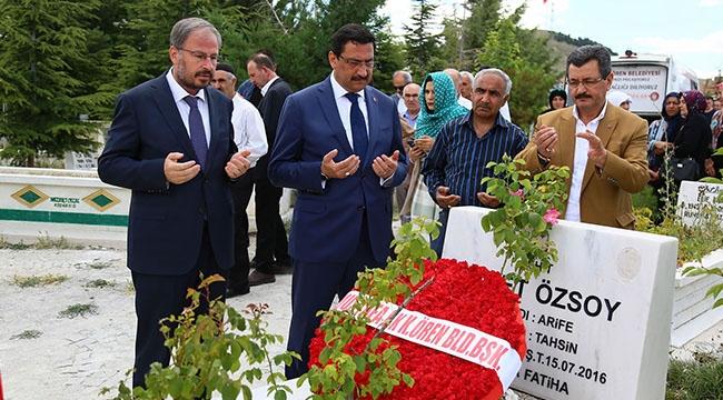 Mustafa Ak'tan 15 Temmuz Şehitlerine Kabir Ziyareti