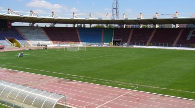 Bir Devir Kapanıyor! 19 Mayıs Stadyumu'nun Yıkımı Başladı