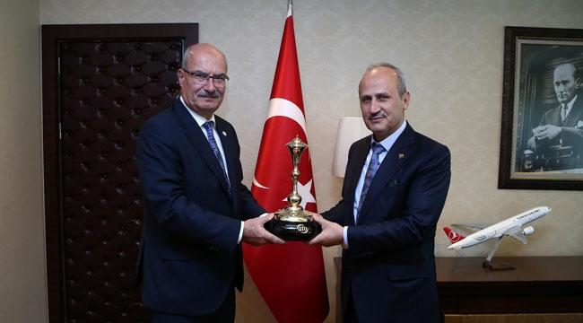 Ulaştırma Bakanından Ankara'dan Direkt Uçuşa Destek
