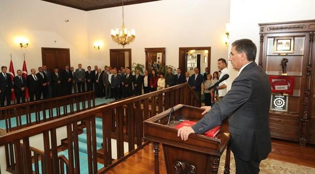 Vali TopacaKamu Kurum ve Kuruluşlarının Temsilcileri İle Bayramlaştı