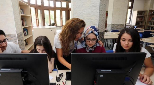 Yenimahalle'de YKS Öğrencilerine Rehberlik Hizmeti