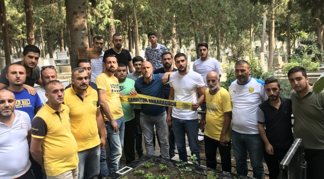 Gecekondu, Fenerbahçe Tribün Lideri Sefa Kalya'nın Kabrini Ziyaret Etti
