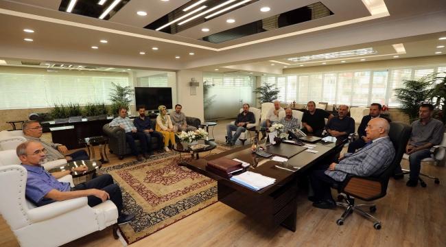 Yenimahalleli Esnaf Fethi Yaşar'la Buluştu: ''Tüketicinin Alım Gücü Düştü''