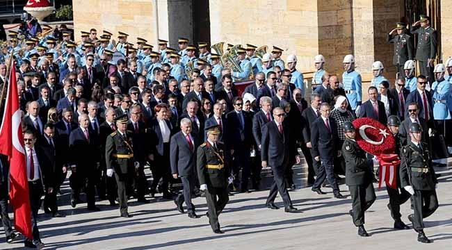 29 Ekim Cumhuriyet Bayramı Kutlamaları Anıtkabir'deki Resmi Tören İle Başladı