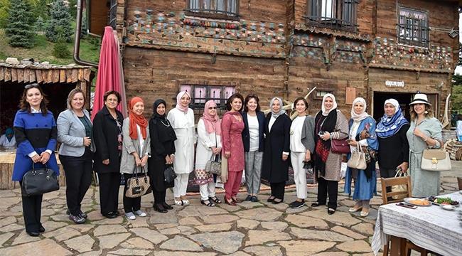 Büyükelçi Eşleri Altınköy'de