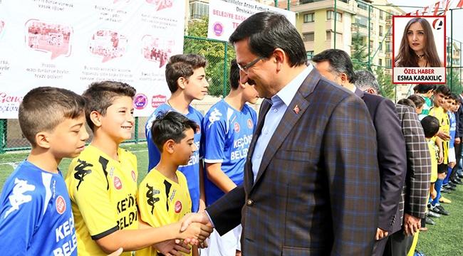 Gazozuna Maçlar Başladı! Keçiören'de Mahalleler Arası Futbol Turnuvası'nın Başlangıç Vuruşunu Mustafa Ak Yaptı