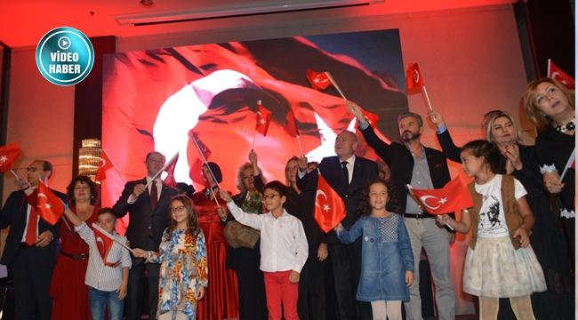 GGYD'nin 'İş'te Cumhuriyet' Etkinliğinde Ankaralılar Gözyaşlarını Tutamadı