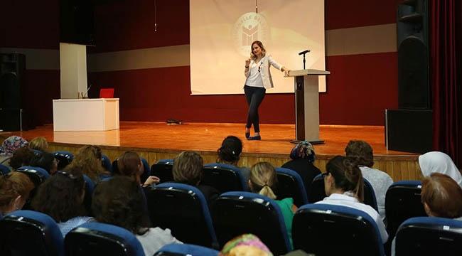 YENİMEK Kursiyerlerine Çocuk ve Aile İlişkileri Eğitimi