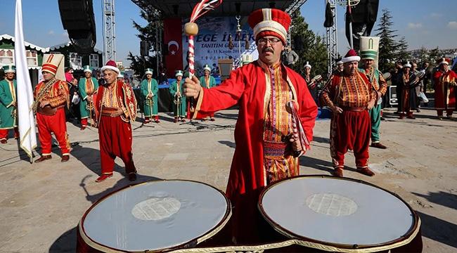 Fethi Yaşar Egeli AKM'deki Hemşehrilerini Yalnız Bırakmadı
