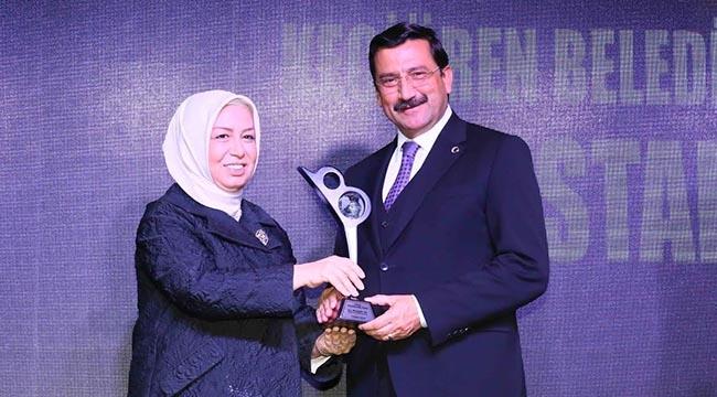 Keçiören'e Bir Ödül Daha! Gönül Belediyeciliği Ödülü'nün Sahibi Mustafa Ak...