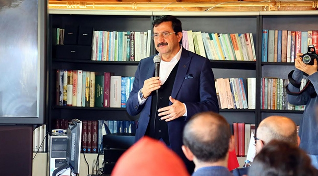 Mustafa Ak Öğrencilerle Buluştu, Siyasi Deneyimlerini Anlattı