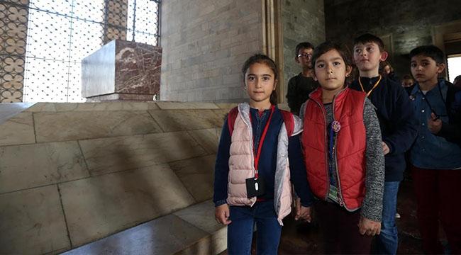 Yenimahalle'nin Çocukları Ata'nın Huzurunda