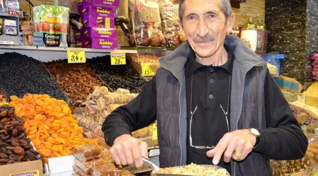 Ankara'da Kuruyemişçiler Eski Günlerini Arıyor