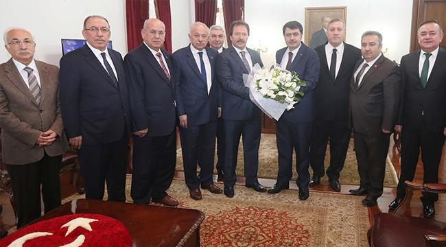 Mehmet Yiğiner'den Vali Vasip Şahin'e Ziyaret