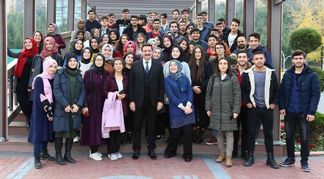 Mustafa Ak, Liseli Öğrencilere Keçiören Belediyesi'nin Projelerini Anlattı...