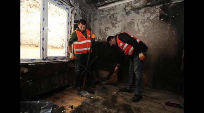 Ankara'daki Mağdur Aileye Yardım Eli... Yenimahalle Belediyesi Yangının İzlerini Siliyor...