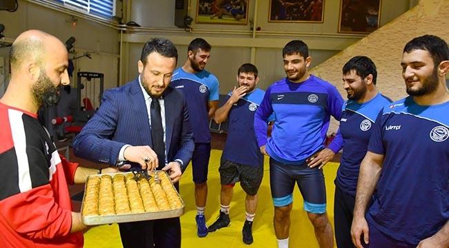 TUNA'DAN SPORCULARA BAKLAVA! ASKİ Spor Tam Gaz...