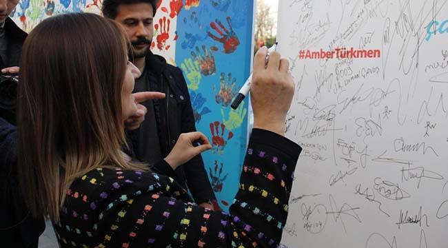 AK Parti Çankaya Adayı Amber Türkmen Kızılay'da Vatandaşlarla Buluştu:
