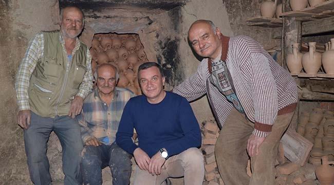 Ankara'nın Son Çömlekçileri Zamana Direniyor