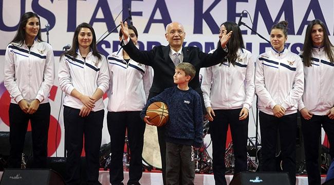 Ankara'nın İkinci Arenası Yenimahalle'de Hizmete Açıldı